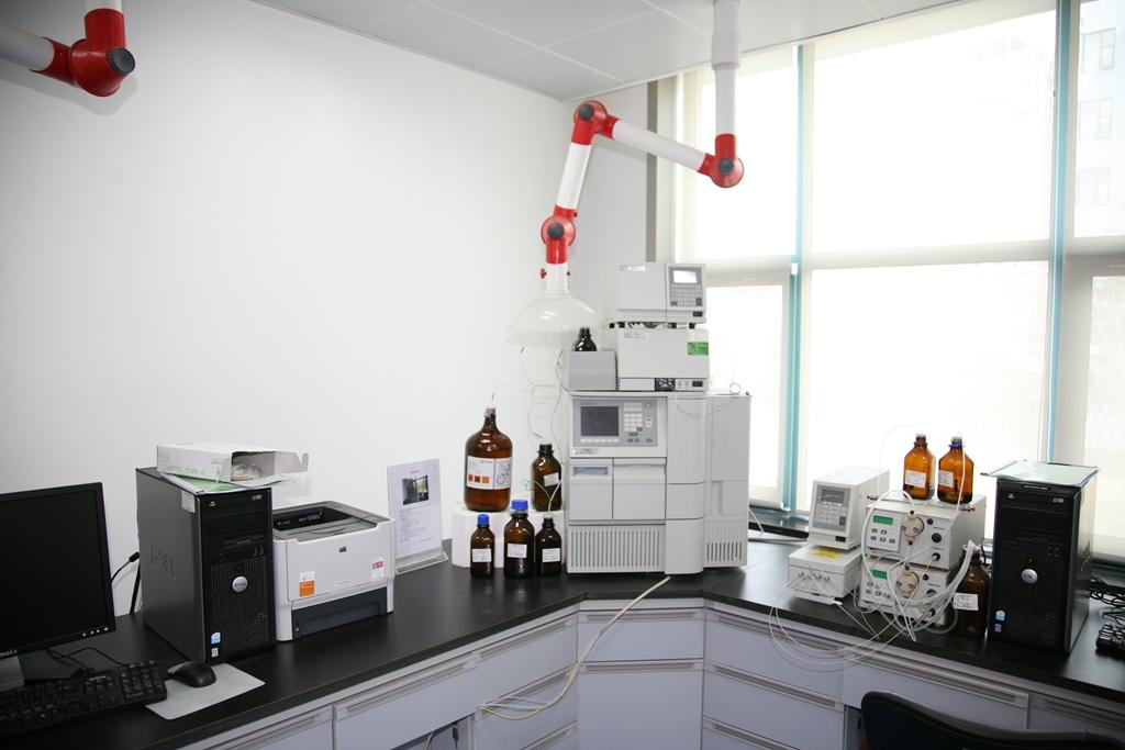 高效液相色谱仪.JPG